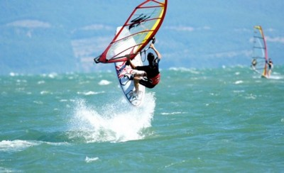 Wind Surfing / Kite Surfing